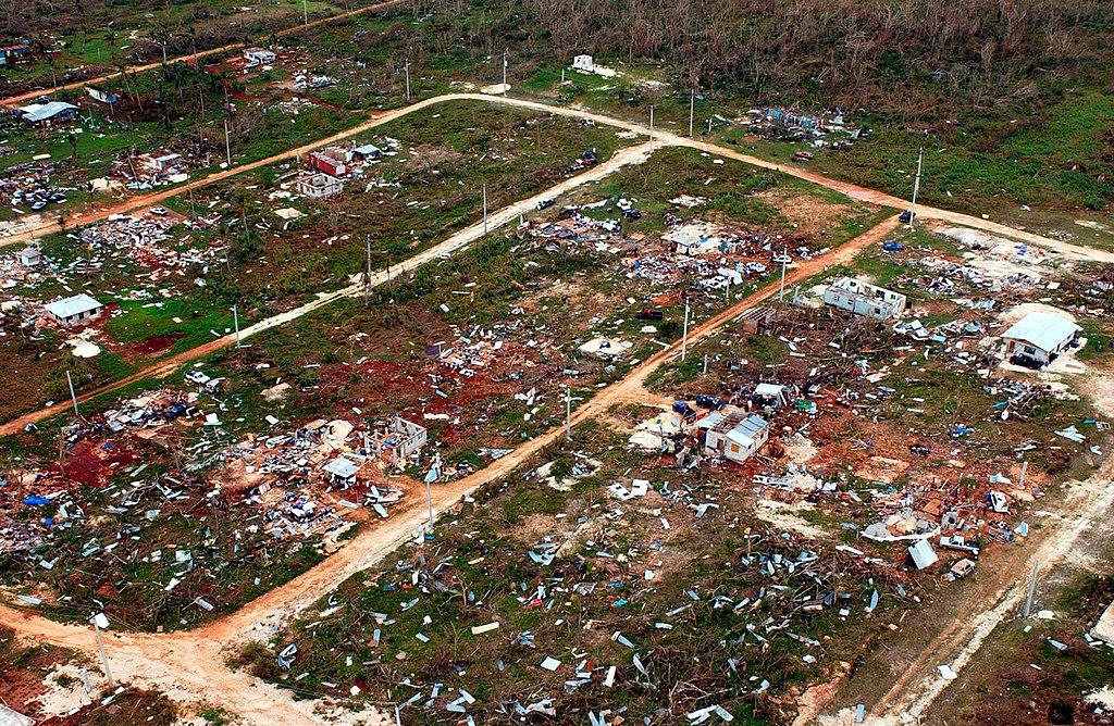 https://upload.wikimedia.org/wikipedia/commons/thumb/1/13/Typhoon_Pongsona_damage_Guam.jpg/1024px-Typhoon_Pongsona_damage_Guam.jpg