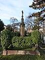 Ufffriedhof Kriegerdenkmal.jpg