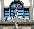 Uffizi, gruppo scultoreo sul verone.JPG