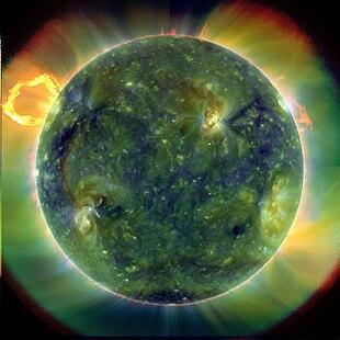 d7cc457474f5 La principale fonte di luce ultravioletta sulla Terra è il Sole. Nella  foto, un'immagine a falsi colori ripresa nello spettro dell'ultravioletto  lontano