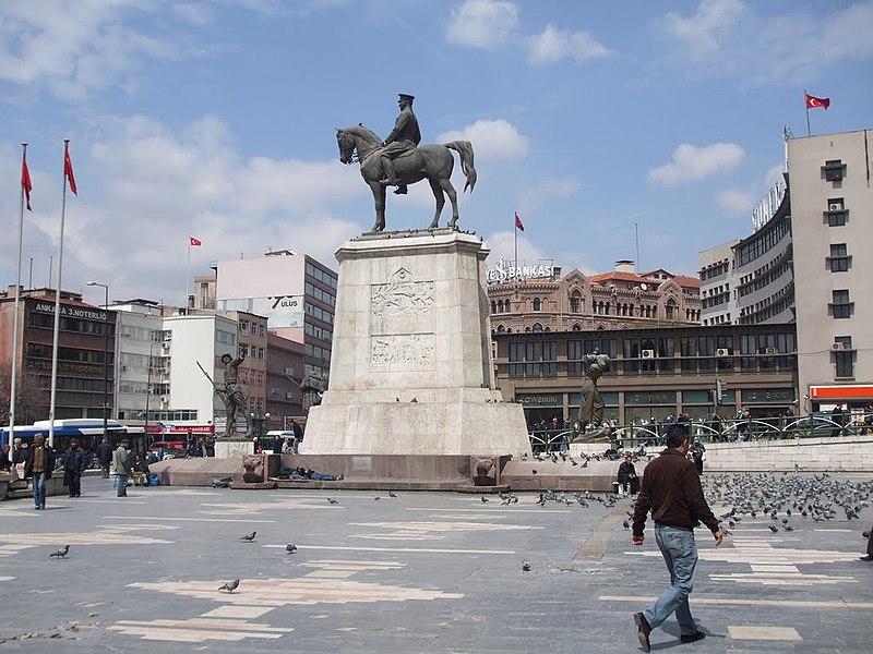 File:Ulus Square - Ankara.jpg