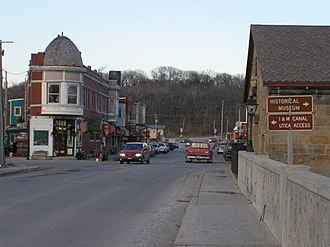 North Utica, Illinois - Looking north through Utica
