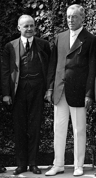 Vance C. McCormick - Image: Vance Mc Cormick wi th Woodrow Wilson, 1916