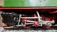 Verkehrsmuseum Dresden Schmalspur-Dampflok Pèchot-Bourdon Treibradsatz mit Dampfzylinder XII.jpg
