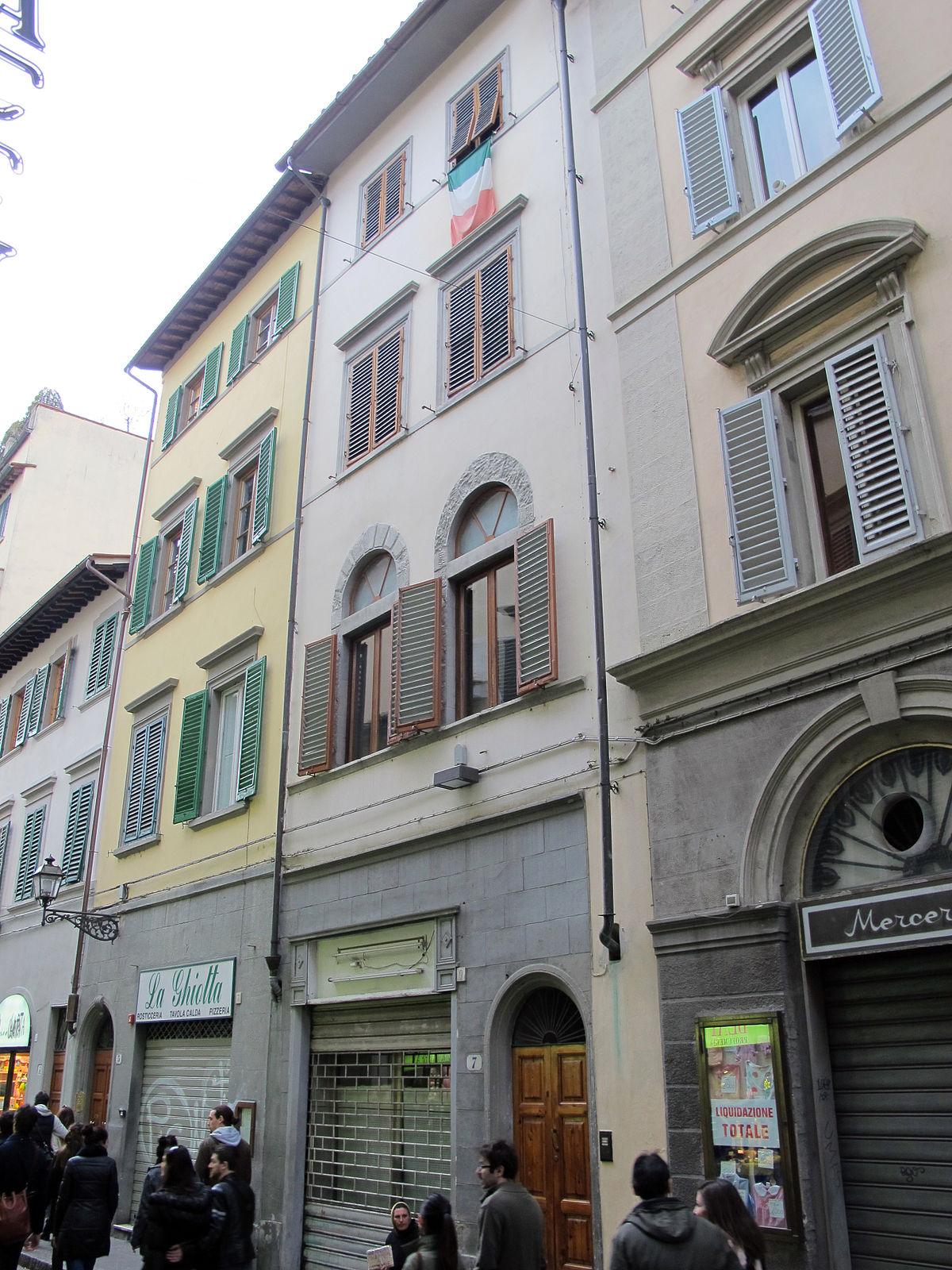 Casa francioni pampaloni wikipedia for 2 piani di casa storia con maestro al piano principale