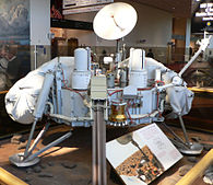 Viking lander model.jpg