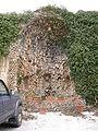 Villa di agnano, cortile 04 grotta.JPG
