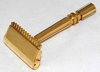 Safety razor - A Gem Micromatic single-edge razor