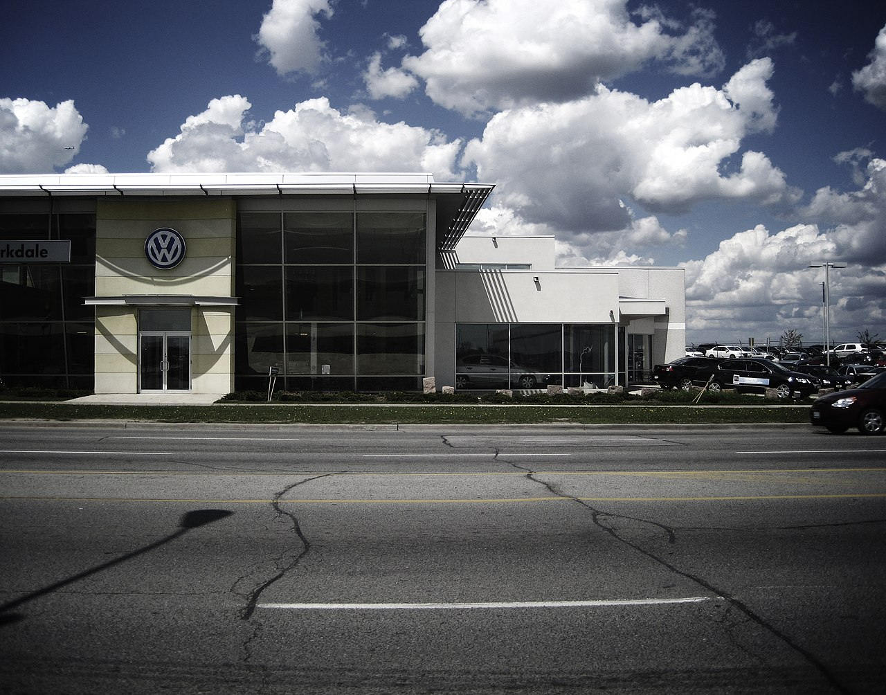 File Volkswagen Dealership Toronto 2010 Jpg Wikimedia
