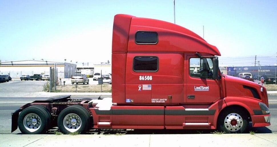 Volvo bobtail semi-truck (LandSpan)