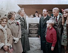 ... Braun s years of service with a series of events including the  unveiling of a plaque in his honor. Pictured (l–r) 139206611b