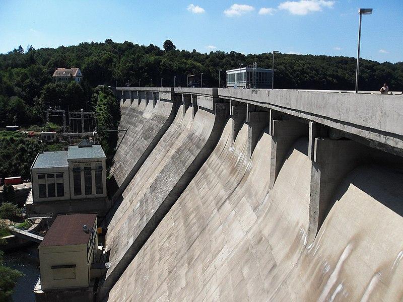 Vranov nad Dyjí, přehradní hráz (06).jpg