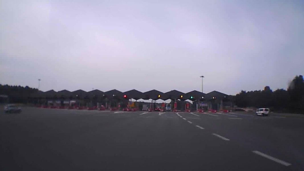A11, gare de péage de Corzé, en provenace du Mans, direction Angers.