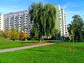 Warszawa Mokotów Os. Służew nad Dolinką - widok na budynek- ul.Wałbrzyska - panoramio.jpg