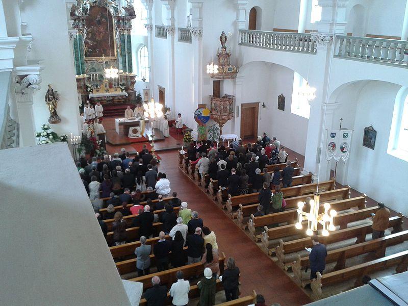 File:Weißer Sonntag St. Martin (Tannheim) 2014.jpg