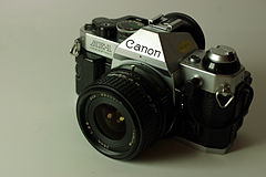 Wikicommons canon ae-1 program tokina rrt877.jpg