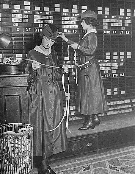 Women in Waldorf-Astoria