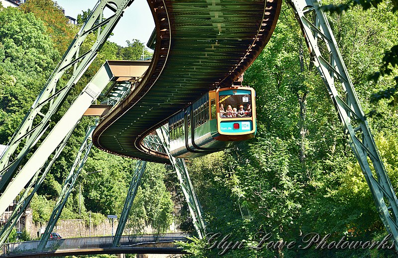 File:Wuppertal Suspension Railway - Wuppertaler Schwebebahn (20919233029).jpg