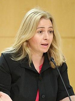 (Inmaculada Sanz Otero) Martínez-Almeida preside su primera Junta de Gobierno de la ciudad de Madrid 08 (cropped).jpg