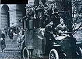 Броневик у Смольного 1917.JPG
