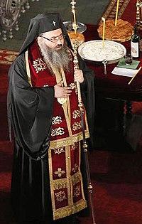 Митрополит Варненский Иоанн (Иванов) в Успенском соборе в Варне.jpg