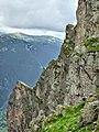 Отвесните стени на Злия зъб - panoramio.jpg