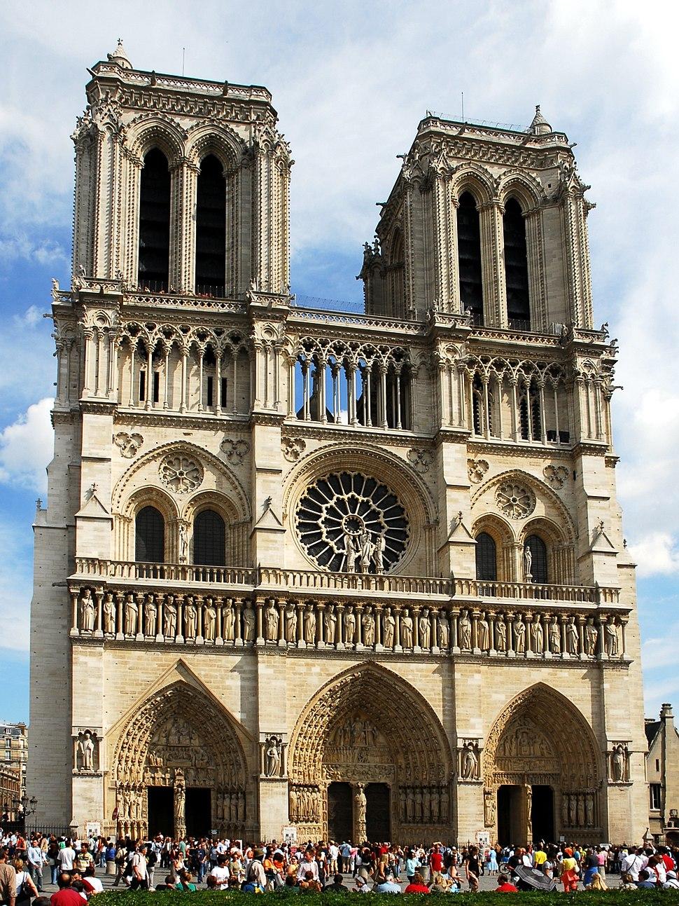 060806-France-Paris-Notre Dame