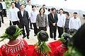 10.29 總統出席「臺北科技大學105週年校慶」時,向現場歡迎儀式的小朋友們問好 (30332069400).jpg