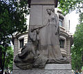 100 Monument a Casanova, al·legoria de Josep Llimona.jpg