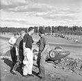 1958-08-10 Kanonloppet Maserati 200S Bonnier upside.jpg