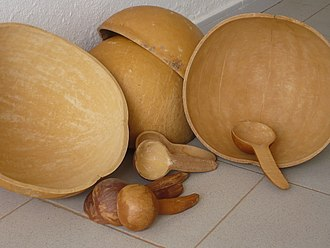 Calabash - Collection of bowls and spoons made of bottle gourd from Mali, 2007