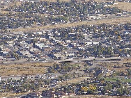 2012-10-14 41 Downtown Winnemucca in Nevada viewed from Winnemucca Mountain.jpg