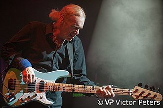 Billy Sheehan - Billy Sheehan, playing with The Winery Dogs at De Boerderij in Zoetermeer, The Netherlands (2013/09/06)