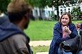 2014-06-02 Sudan Flüchtlinge Protest gegen Abschiebung, Weißekreuzplatz Hannover, (13) Frauke Patzke (Bündnis 90 Die Grünen) erläutert Hilfsangebote.jpg
