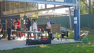 Division of Greenway - Volunteer-run sausage sizzle fundraiser at Metella Road Public School in Toongabbie at the 2016 election
