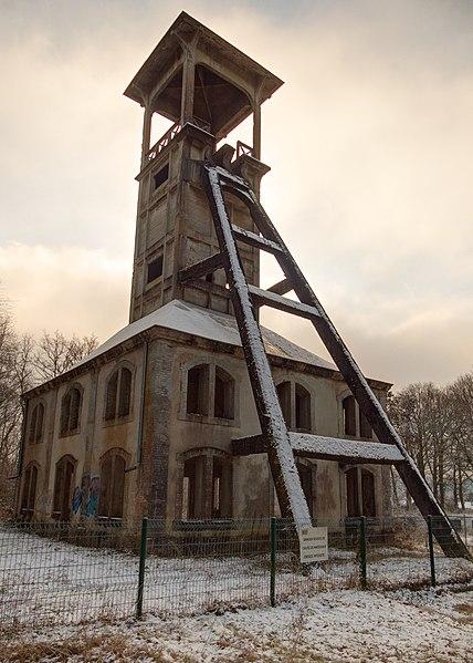 Vestiges miniers, à Ronchamp et aux alentours... 428px-2021-01-09_10-33-26_puits-ste-Marie-Ronchamp