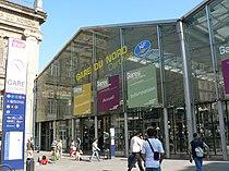 267885303 e33086a09f b gare du nord exterieur banlieue.jpg