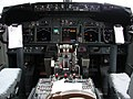 AA 737-800 Flight Deck (4013528378).jpg