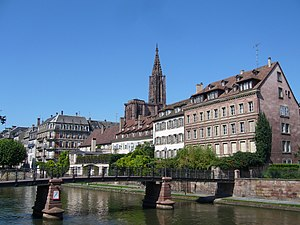 Absolute cathedrale vue quais 01.JPG