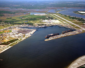 Naval Station Mayport - Image: Aerial NS Mayport with CV 60 and CV 64 1993