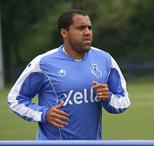Aílton (footballer, born 1973) - Aílton at practice with Duisburg in 2007.