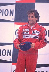 Photo d'Alain Prost sur le podium du Grand Prix de Belgique 1989.