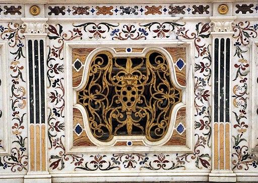 Badia Fiesolana, Particolare dell'altare maggiore di Giovan Battista Cennini su disegno di Pietro Tacca, 1610