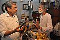 Amrit Gangar Asking Sushil Kumar Chatterjee About Valve - Kolkata 2017-03-10 0633.JPG
