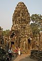 Angkor Thom-Bayon-34-Turm-2007-gje.jpg