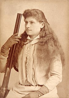Annie Oakley American sharpshooter and exhibition shooter