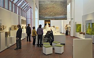 Rheinisches Landesmuseum Trier - Image: Ausstellungsraum nach der Römerzeit
