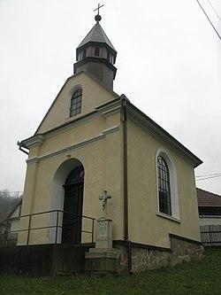 Běleč – kaple zepředu 02.JPG