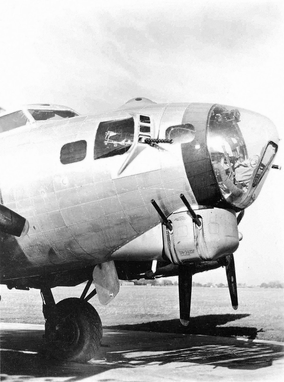 B-17G Nose in Detail