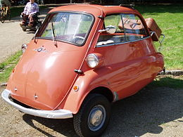 Una BMW 300 Isetta Export